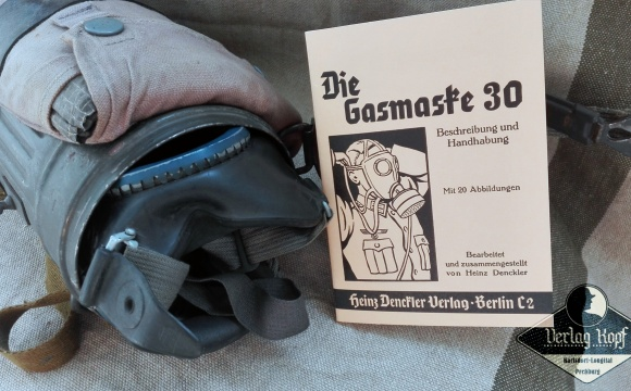 The gas mask model 30.