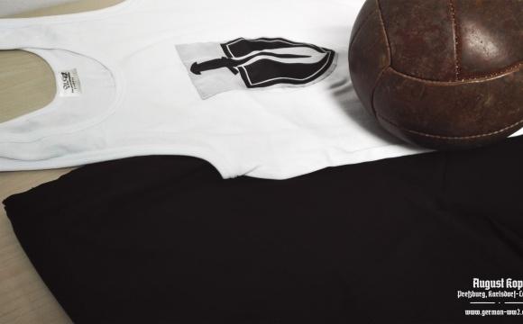New army Sport shirt & shorts (Sporthemd und Sporthose model 32).