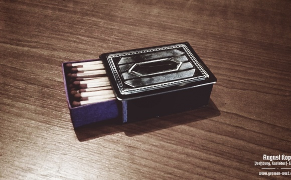 Single matchbox with original matches from 1930-1940 era.