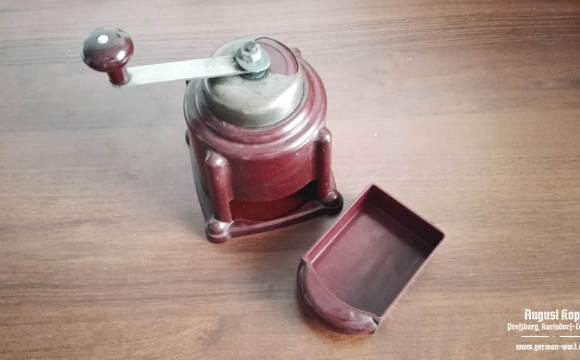 Rare ART DECO Bakelit Gummon-FUTURIT coffee grinder.