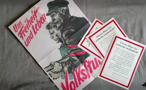 Nice set of 4 Leaflets, ideal for end of the second world war -  theme