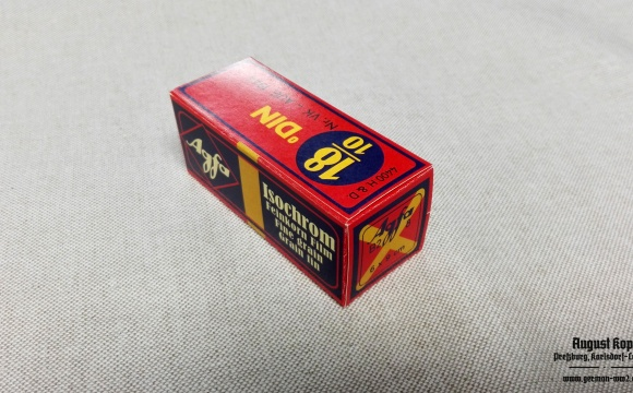 Nice cardboard package for Agfa Isochrom 18/10.