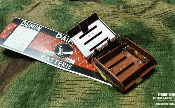 Battery holder for 3x 1,5 battery.