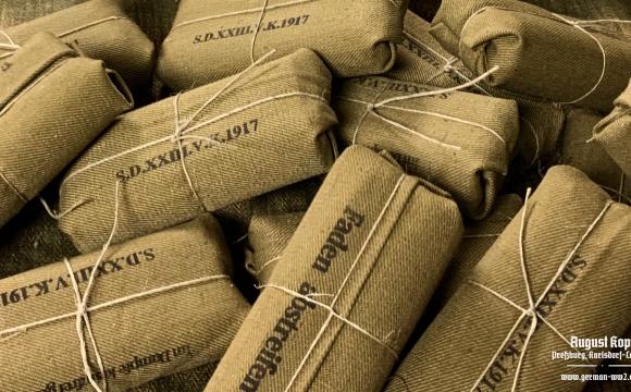 German World War I bandage wrapper marked 1917.