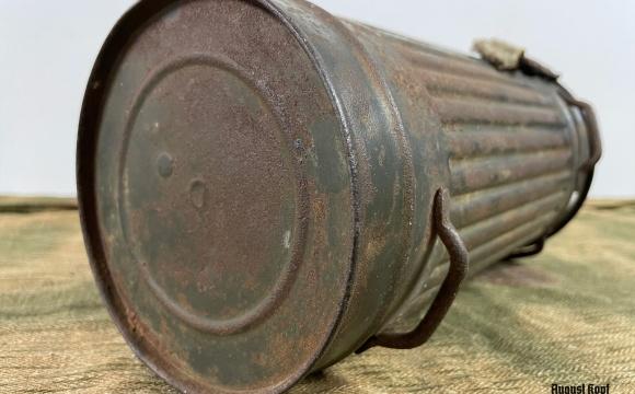 Nice original gasmask canister.